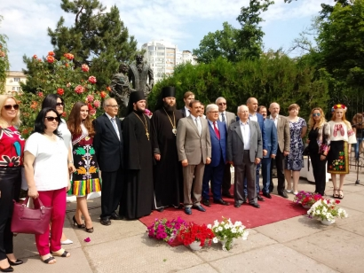 URI Global Trustee on study trip on Odessa 2
